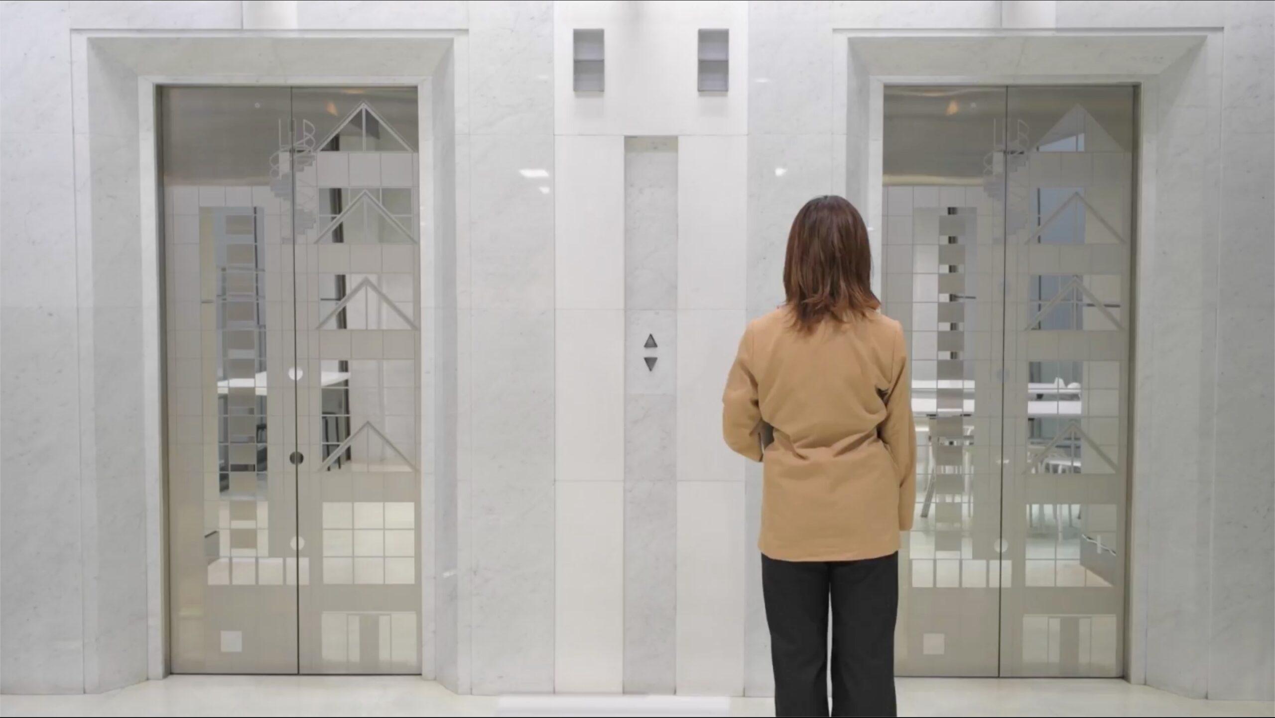 エレベータホール画像